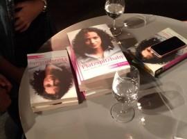 """""""Platzspitzbaby"""" ist nicht nur ein Bestseller, sondern löst Diskussionen aus über die sozialen Verhältnisse in unserer Gesellschaft"""